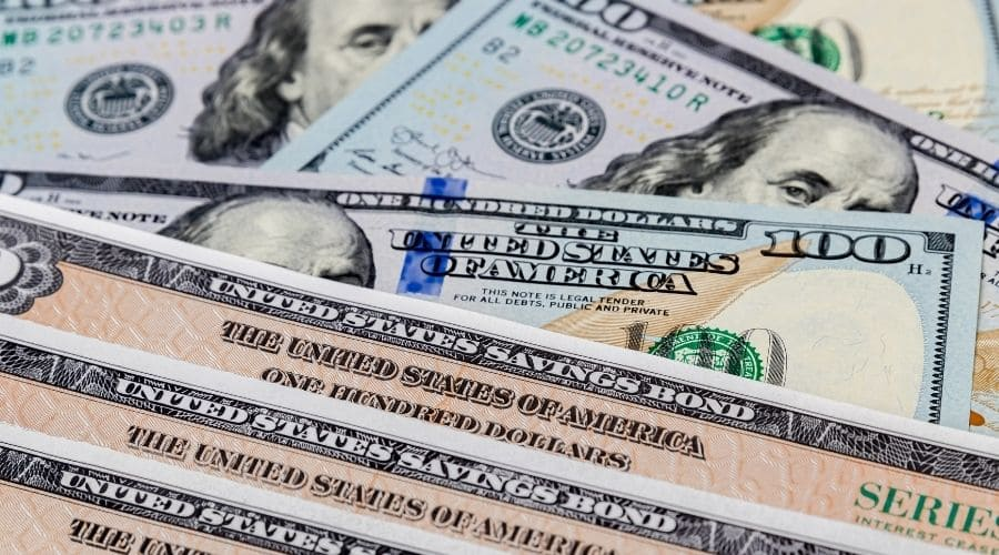 Bonds Vs Treasuries